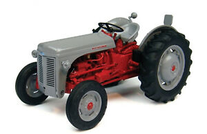 4190 Universal Hobbies Ferguson FF30 DS tractor BOXED 1:32 grey fergie