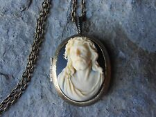 > JESUS CROWN OF THORNS CAMEO LOCKET -BRONZE, RELIGIOUS, GOD, CHRISTMAS, EASTER
