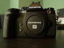Olympus OM-D E-M1 schwarz, incl. Batteriegriff HLD-7, super Zustand, 100% o.k.!!