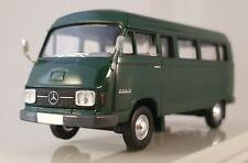 Brekina Starmada Mercedes Benz L 206 D Kombi grün 1:87 H0 13250