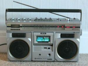 Hitachi TRK-8300E Portable Stereo/Ghetto Blaster/Boombox
