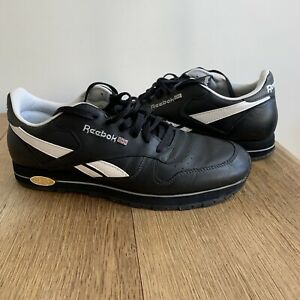 Reebok Mens Classic Leather Black Size 10 with Gold Classic Badge White Trim