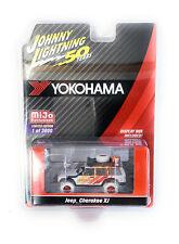 Johnny Lightning 1/64 Jeep Cherokee XJ 4x4 Yokohama Geolandar JLCP7242 chase