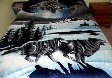 Gray and Navy Wolves Pack Running Design Mink Raschel Blanket Queen/Full Size