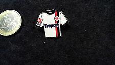 SGE Eintracht Frankfurt Trikot Pin 2004/2005 Away Fraport weiß mit Streifen