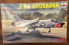 OOP Esci 1/72 F-8E Crusader Model aircraft kit #9066