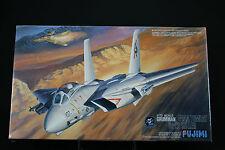 XA068 FUJIMI 1/72 maquette avion 28001 - 1800 I-1 Grumman F-14A Tomcat Su-22