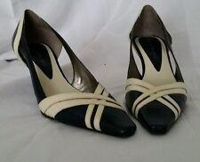 Vintage Bandolino Women's Shoes Size 6M Heels Blue Leather Cream Straps