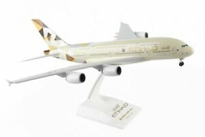 Skymarks ETIHAD Airbus A380-800 1/200 W/GEAR SKR840