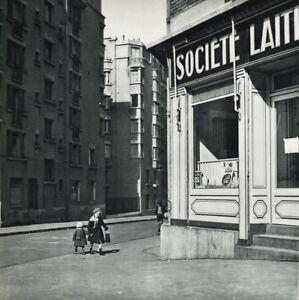 1955 ROBERT DOISNEAU Vintage CHILD TODDLER Street Scene France Photo Art 11x14