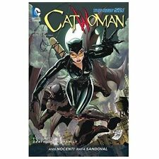 Catwoman Vol. 3: Death of the Family (The New 52) (Catwoman (Paperback)), Nocent