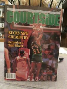 COURTSIDE Basketball Magazine   December 1990
