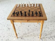 Dolls house miniature 1:12 SERIOUS COLLECTOR'S chess table + chess set