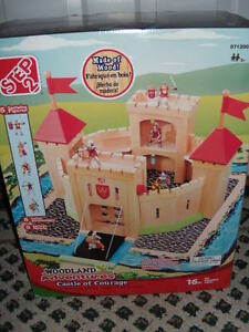 NEW Step 2 Woodland Adventures Castle of Courage Wood Play Set Figures