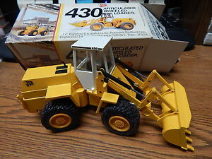NZG #251 JCB 430 ARTICULATED WHEELED LOADER GREAT SHAPE WITH BOX 1/35 SCALE LQQK