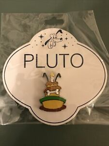 Disney Store Pin Pluto Birthday Cake 90th Anniversary Limited Edition