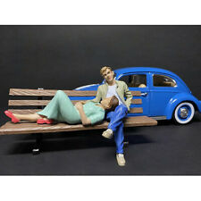 SITTING LOVERS 2 PC FIGURINE SET FOR 1/24 MODELS BY AMERICAN DIORAMA 38330-38331