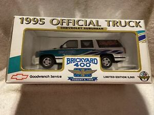 Chevrolet Suburban Brickyard 400-1/25 1995 Official Truck Dale Earnhardt