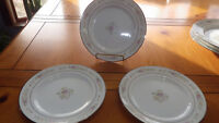 "Lenox Meadow Pinks Salad Plates 3 8"" Plates Rimmed in Platinum EUC"