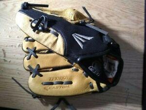 "Easton ZFX1001 Youth 10"" Left-Hand Throw Flex Adjustable Strap Baseball Glove"