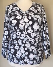 Denim & Co Active Floral Print V-Neck Long Sleeve Knit Top Charcoal Gray Plus 1X
