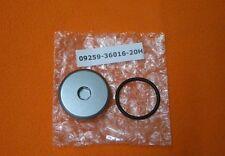 Schraube  Motordeckel links original SUZUKI  DR 250 350 650 800 DR-Z400 SV 1000