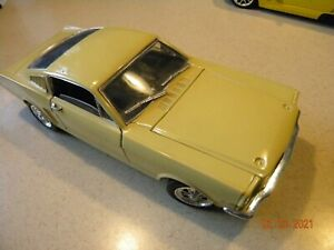 UNIVERSAL HOBBIES FORD MUSTANG 350 GT~yellow~1:18TH SCALE