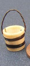 1:12 SCALA IN LEGNO SECCHIELLO SECCHIO, con una maniglia di filo Casa delle Bambole Accessorio Giardino S