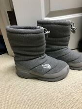 The North Face Women's Size 7 Heatseeker Winter Boots. Excellent Condition Gray