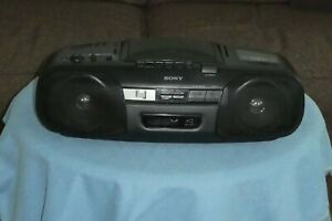 Sony CFD-8 CD AM/FM Radio - Corder & Battery tested - Cassette Tape not working