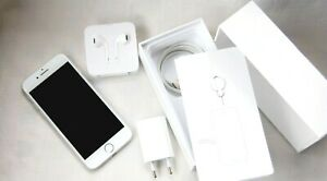Apple iPhone 7 - 32GB - Silver (Unlocked) with box and warranty