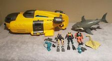 Animal Planet Toys R Us Exclusive Yellow Submarine Divers+ Light&Sound lot