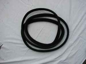 JAGUAR XJS REAR SCREEN RUBBER/SEAL SUIT FROM 1975 TO 1989 - BRAND NEW