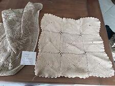Lot de 2 napperons anciens au crochet, écru 38 x 100 cm