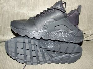 WOMENS NIKE LEATHER HAURACHE SZ. 8