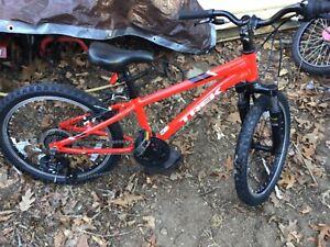 "Trek Precaliber 20"" 6 speed Boy's bicycle Bike Size 20"" Mountain Road Tire Red"