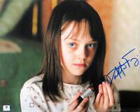 Dakota Fanning Signed Autographed 11X14 Photo Hide and Seek w/Lipstick GV838892