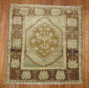 Vintage Turkish Oushak Ushak Square Rug Size 2'2''x2'3''
