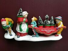 Department 56 North Pole Heritage 'Delivering the Christmas Greens' #56373 New!