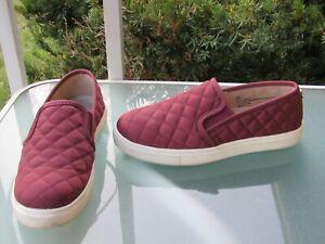 CLARKS Cloud Steppers Soft Cushion Burgundy Slip On Comfort Shoes Womens sz 6.5