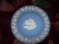 ELEGANT WEDGWOOD BLUE WITH WHITE GRAPEVINE RELIEF JASPER PIN DISH AURORA KP