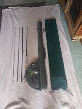 "Robson Green 9 ft (environ 2.74 m) 6"" 4 Piece Fly Rod et HARD CASE"