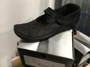 Arcopedico Ladies Classic Style L25 in Black