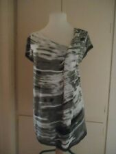 VERA WANG Asymmetrical Neckline Short Sleeve Tee, Grey, White, Sz PS,  Good Used