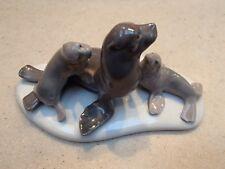 """Lladro 5318 """"Mini Seal Family"""" adorable Mom & 2 pups - Repaired, no box, Rv$325"""
