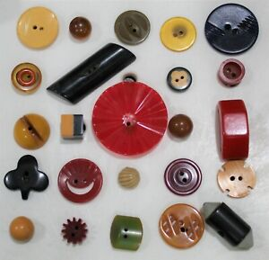 Lot of 24 Colorful BAKELITE BUTTONS-cookie,2 tone- shamrock-cog-99 CENT START
