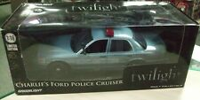 Twilight  Charlie's Ford Crown Victoria WA Police Car scale 1:18 by Greenlight