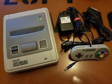 ## Super Nintendo SNES Konsole / komplett anschlussfertig und TOP Zustand ##