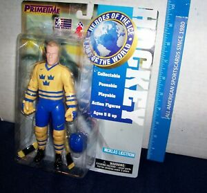 1997 PRIMETIME INC. NICKLAS LIDSTROM TEAM SWEDEN POSEABLE NHLPA ACTION FIGURE MT