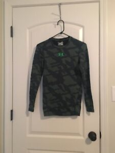 Under Armour Compression Cold Gear Boys Long Sleeve ActiveWear Top Shirt Sz SM